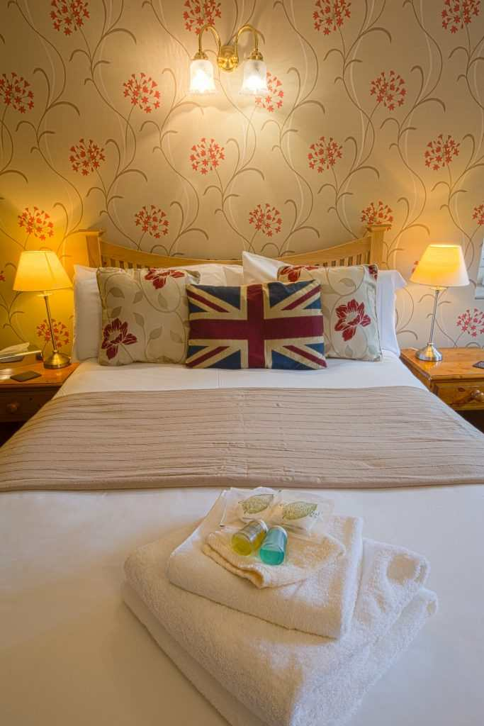 YB Room 16 001