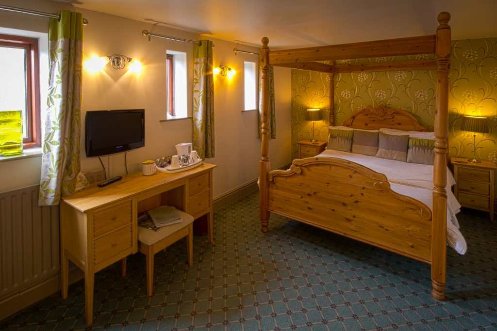 YB Room 3 001